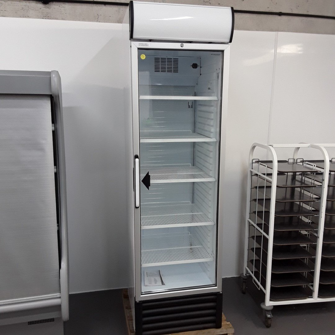 New B Grade Sterling Pro D418G Single Upright Display Fridge For Sale