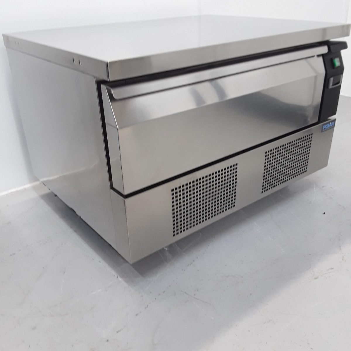 New B Grade Polar DA994 Under Counter Fridge/Freezer For Sale