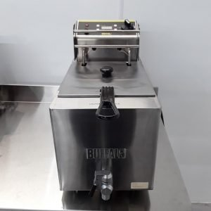 New B Grade Buffalo GH126 Single Table Top Fryer 8L For Sale