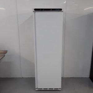 New B Grade Polar CD612 Single Upright Fridge White For Sale