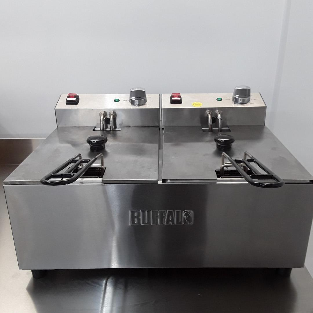 Used Buffalo FC257 Double Table Top Fryer 2x5L For Sale