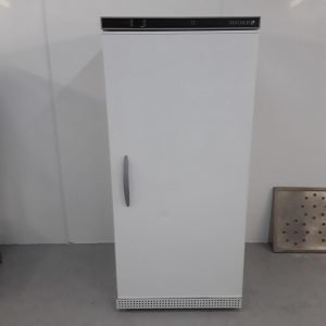 New B Grade Tefcold UR550B Single Upright Fridge White For Sale