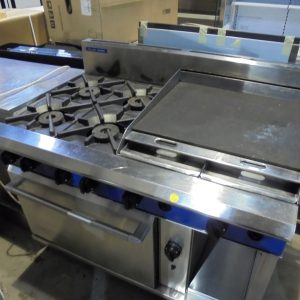 Blue Seal Natural Gas 4 Burner Hob & Flat Griddle & Oven 120cmW x 82cmD x 90cmH