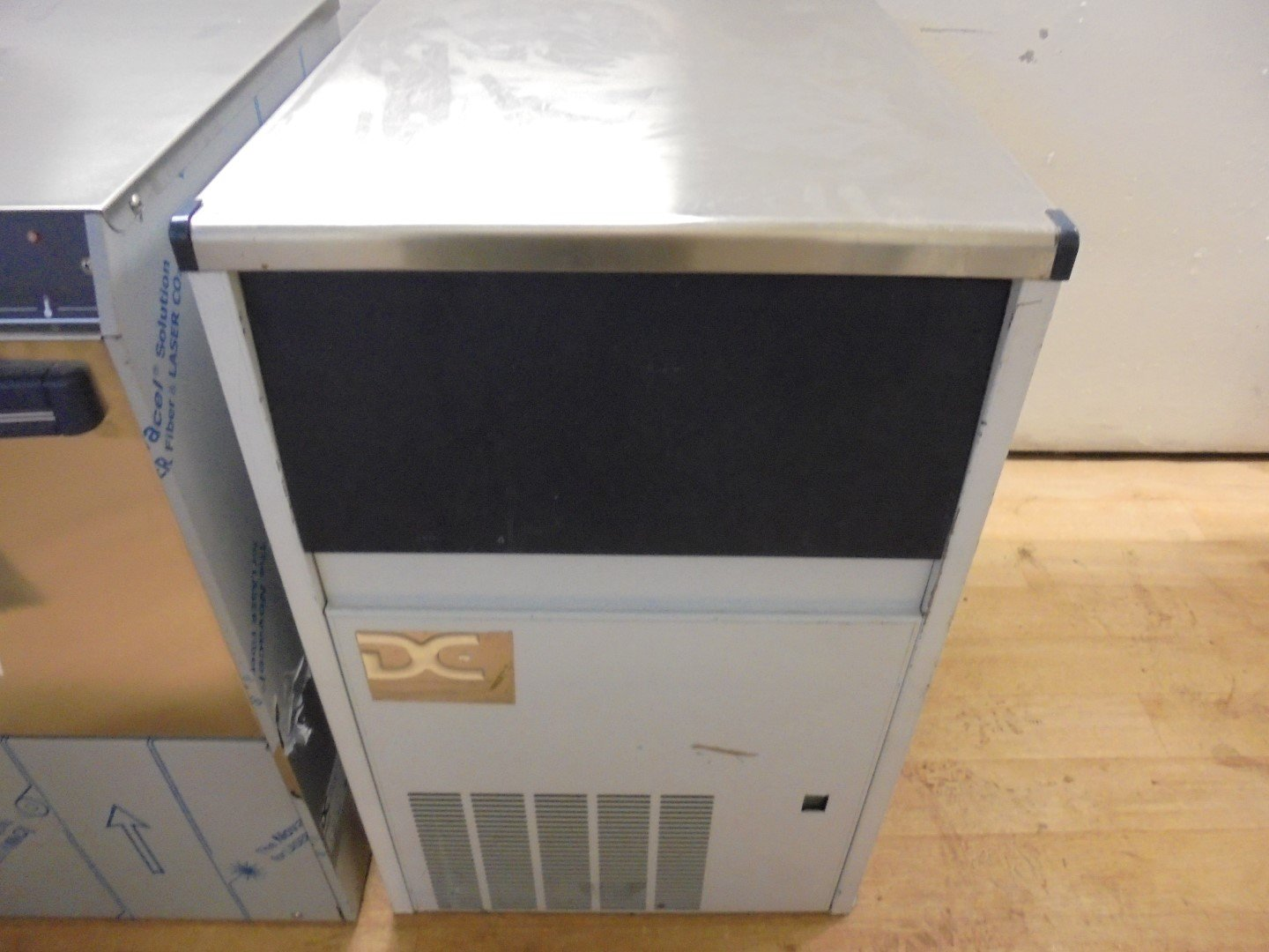 Used DC 4525A Ice Maker | Machine Bar Pub Steel Cube
