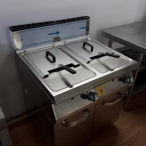 New No Original Packaging RM Gastro FE 780 15G Stainless Steel Freestanding 2 Double Twin Chip Fryer For Sale