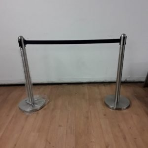 New Bolero  2 x Polished Black Strap Barrier For Sale