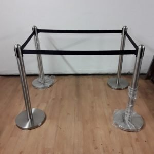 New Bolero  4 x Polished Black Strap Barrier For Sale