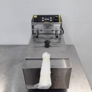 Ex Demo Buffalo L490B Single Table Top Fryer 5L For Sale