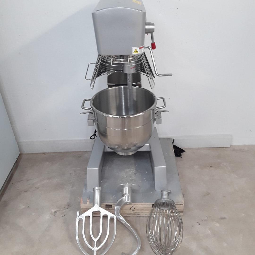 New B Grade Buffalo GJ461 Planetary Mixer 29 L For Sale